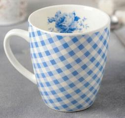 12 fl oz Ceramic Coffee Mug in Blue and White. Country Style